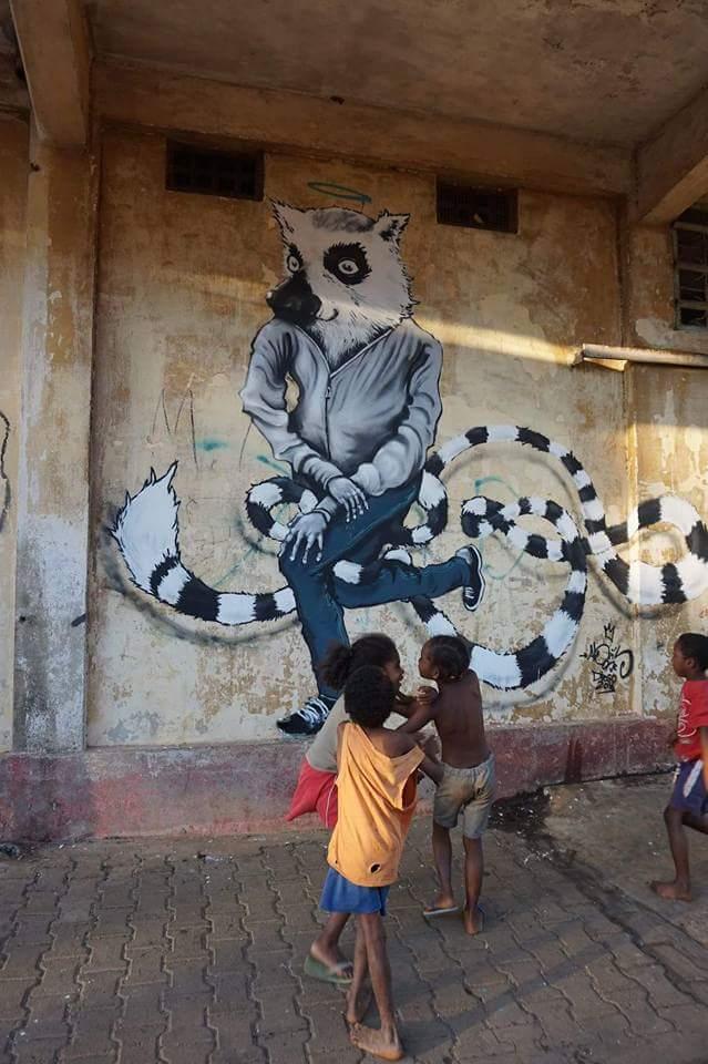 Le lémurien au jardin Tropical de Diego suarez - Street art - graffiti - Abeil - Ile de la Réunion 974